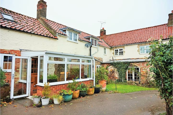 Bell Cottage - double room with open fire - Feltwell - Haus