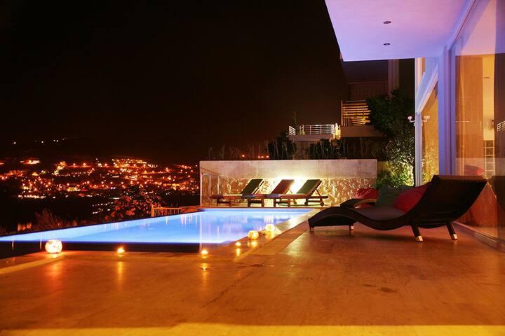 Luxury Contemporary Villa with Sea Views - Kalkan - Villa