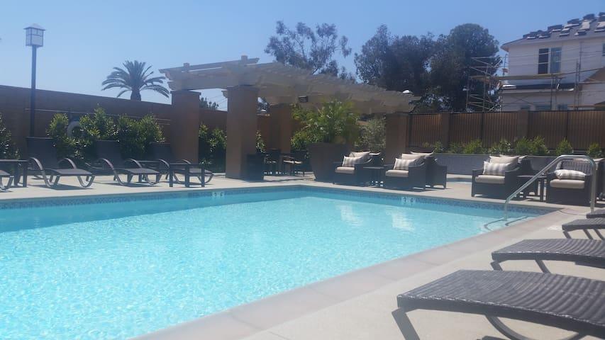 Dog friendly place w/pool. Near LA - 庫卡蒙格牧場(Rancho Cucamonga)