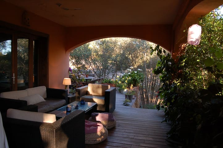 PEACEFUL ROOM  IN VILLA WITH POOL AND GARDEN - Illes Balears - 牧人小屋