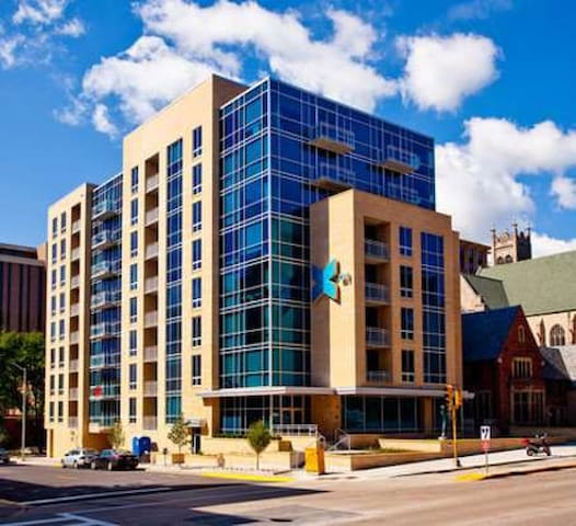 in the heart of uw-madison campus - Madison - Appartement