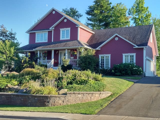 Cozy rooms in a lovely neighbourhood! - Moncton - Talo