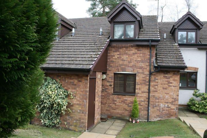 38 DUNBAR COURT . GLENEAGLES - Perth and Kinross - House