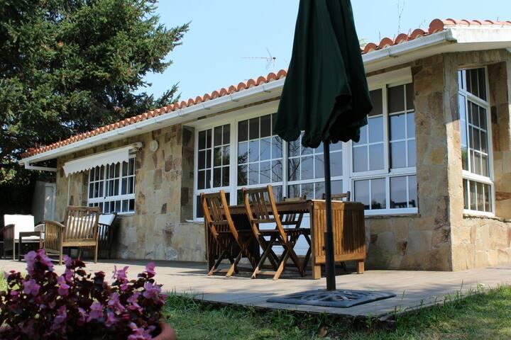Casa Rural con encanto al lado de la playa - Perbes - Almhütte