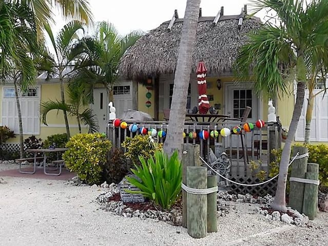Sunshine Cabana and the Happy Tiki - Big Pine Key - Cabaña