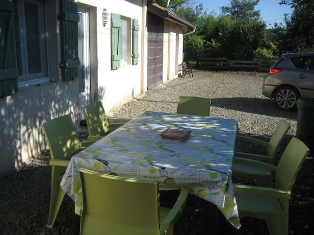 """Chambre d'hôtes """"LA BONNE PLANQUE"""" - Tasque - Rumah"""