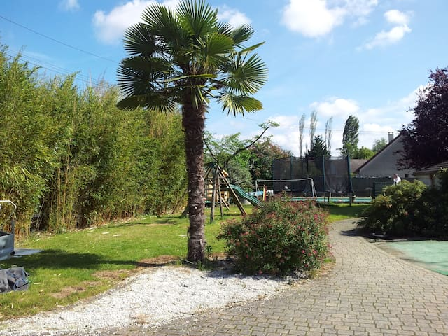 House near the 24 Hours of Le Mans circuit - Ruaudin - Huis
