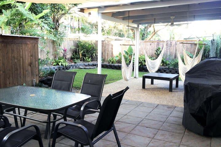 Pet friendly villa in the heart of Port Douglas - Port Douglas - Villa