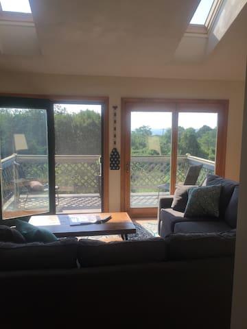 Spacious house with beautiful views. - Narragansett - Departamento