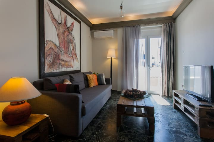 Our Downtown Art House - Chania - Apartment