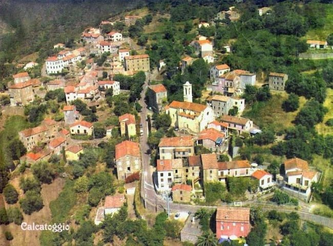 Appartement dans maison de village - Calcatoggio