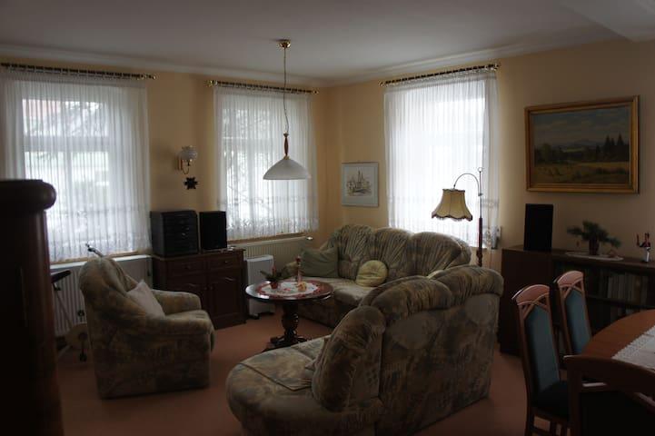Ferienwohnung mit 71  qm in der Villa Anna - Wilthen - 公寓
