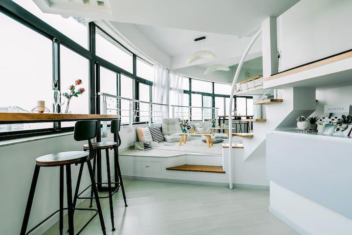 180°北外滩江景loft,100寸超大屏幕投影观影loft - Shanghai - Apartemen