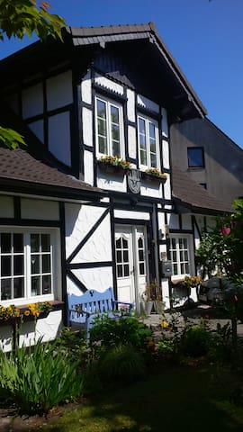 2  nice rooms, Northern Germany - Neumünster - House