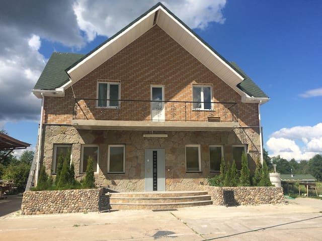 Загородный коттедж - Kirovskiy rayon - Lägenhet