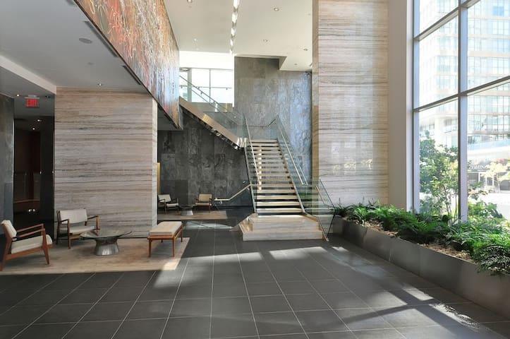Luxurious Condo near CN Tower - Toronto - Apto. en complejo residencial