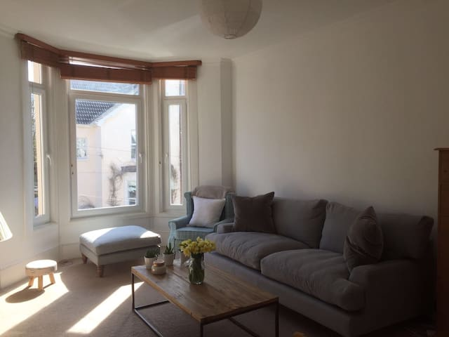 Sunny seaside flat in the heart of Southsea - Portsmouth - Apartamento