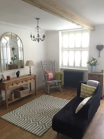 Cottage close to the beach & town - ディール - 一軒家