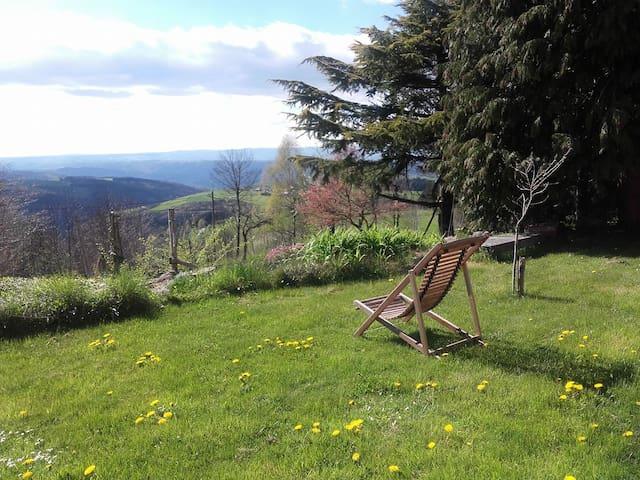 Studio en pleine nature Parc Pilat - Saint-Genest-Malifaux - Hus