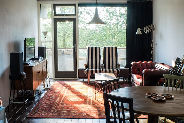 Spacious appartement near metro - Amsterdam-Zuidoost - Huoneisto