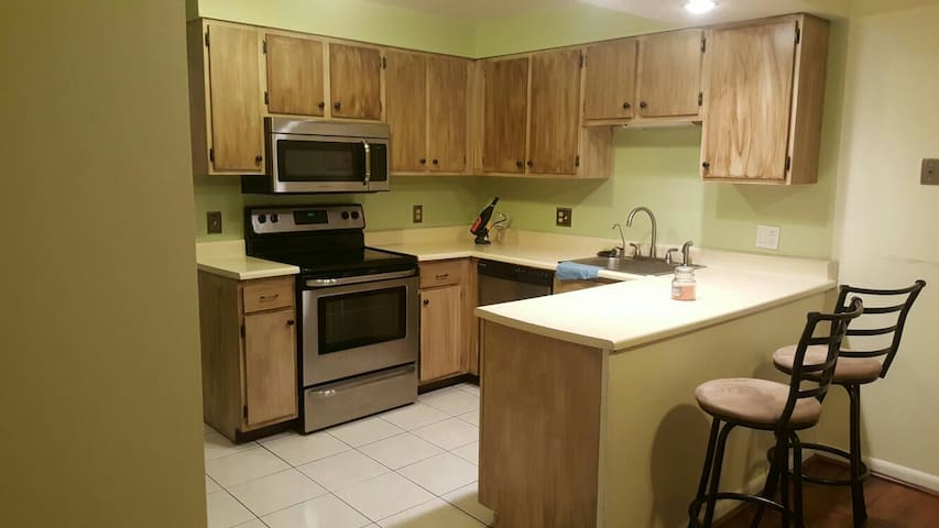 Beautiful Entire Condo in E. Amhers - East Amherst - Leilighet
