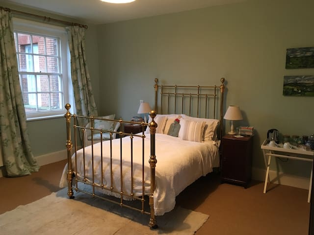 DB in Wing of Old Country House - Andover  - Maison