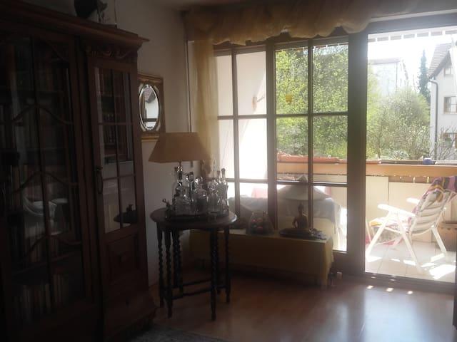 Stilvolle Zimmer mit Privatspähre - Landsberg am Lech - Apartamento