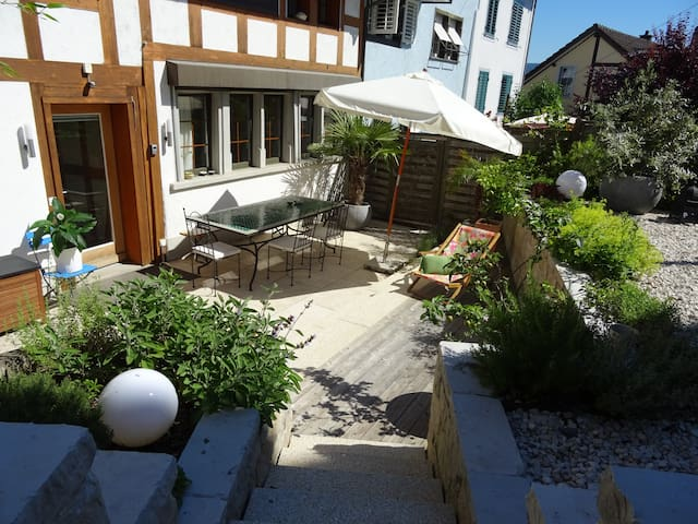 B&B in charming house, quiet, close to the lake - Thalwil - Wikt i opierunek