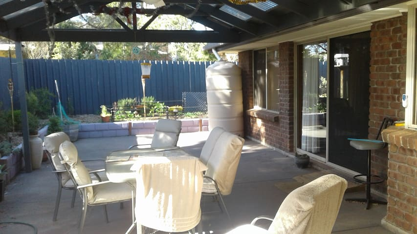 Gawler queen beds - same price for 1 or 2 bedrooms - Gawler East - Σπίτι