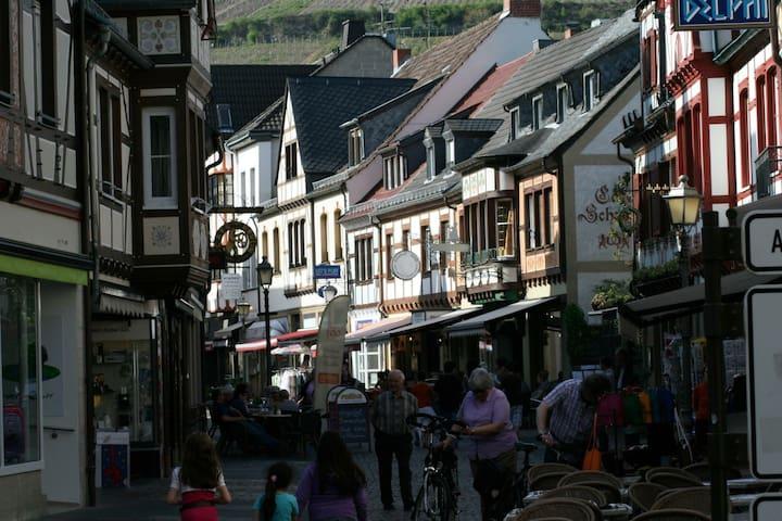 Ferienwohnung Ahrtorblick **** - Bad Neuenahr-Ahrweiler - Osakehuoneisto