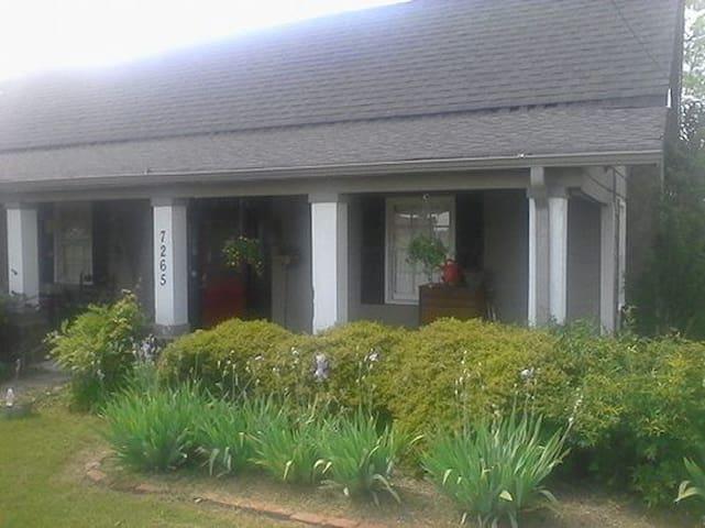 Cozy double suite in Historic B&B - Douglasville - Bed & Breakfast