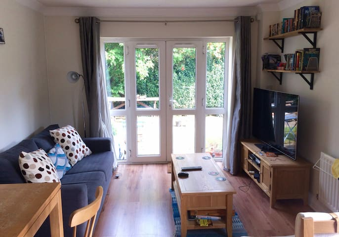 Quiet, well-located apartment - Reading - Apartamento