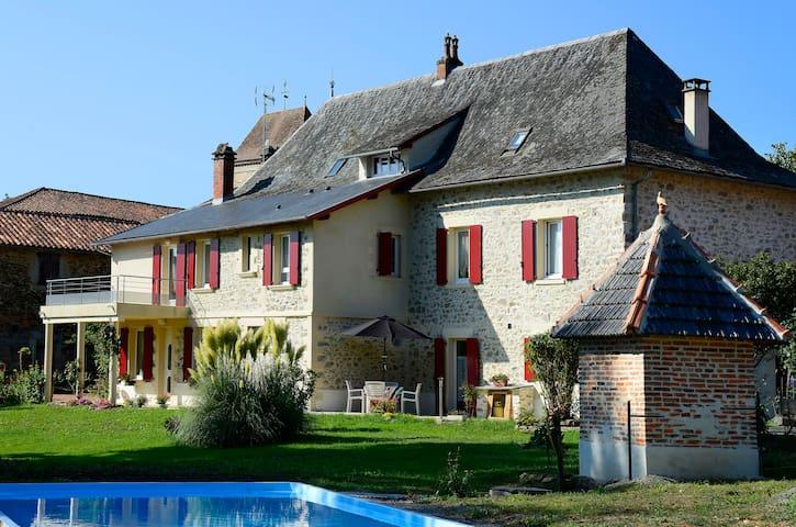 Chambre d'hotes au coeur du village - Bagnac-sur-Célé - Bed & Breakfast