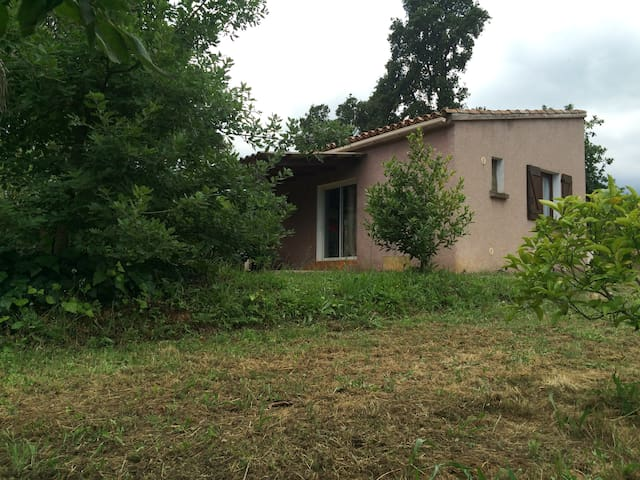 In the countryside, 3 kilometres from the sea. - Sorbo-Ocagnano - Bungaló