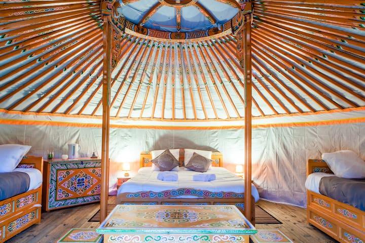 Yourte traditionnelle mongole - Le Nizan