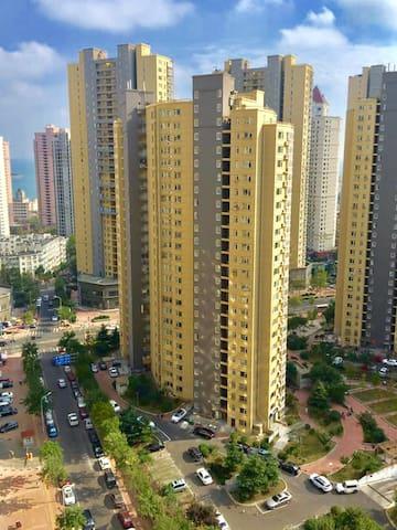 75M²温馨海景二居室tv/wifi/浴室厨具齐备,紧靠栈桥火车站 - Qingdao - Leilighet