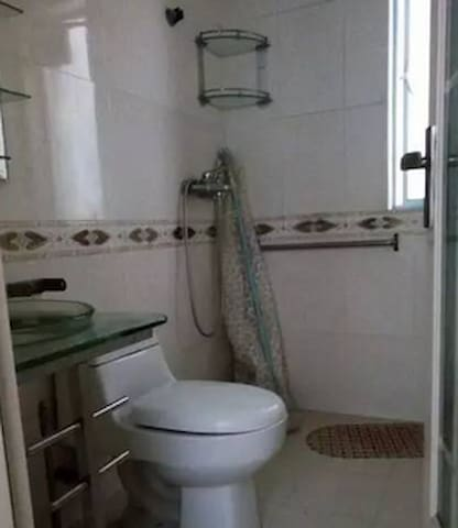 刚装修的房子,家具家电齐全,欢迎来我家 - Shenzhen - Dům