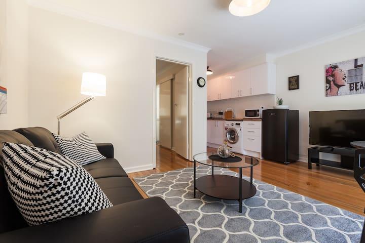 Cosy Apartment Carnegie - Carnegie - Leilighet