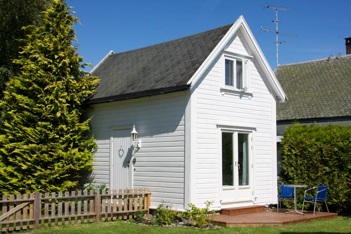 Charming side building in Tønsberg - Tonsberg - Hus