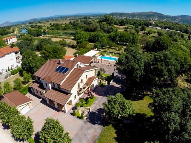 Spaceous villa with outdoor pool saunas and garden - Ljubuški