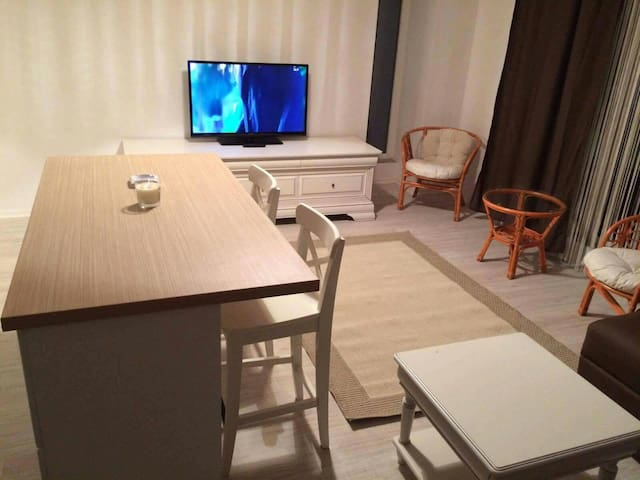 Mamaia  Studio 60m from the beach - Mamaia Nord  - Daire