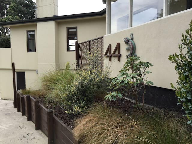 Private room in character home - Paraparaumu - Maison