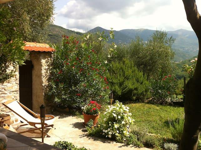 Wohnung mit Garten in Maro Castello - Borgomaro - Квартира