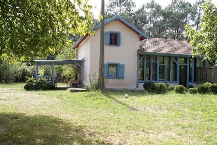 maison landaise ancienne rénovée, option roulotte - Magescq