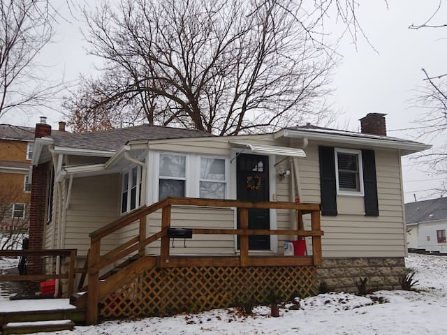 Cozy Cottage in the heart of Bethel Park - Bethel Park