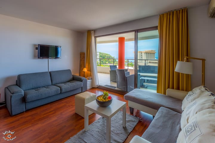 ★★ DELUXE SUITE w. Pool and Beach & Sunset views - Noumea - Lägenhet