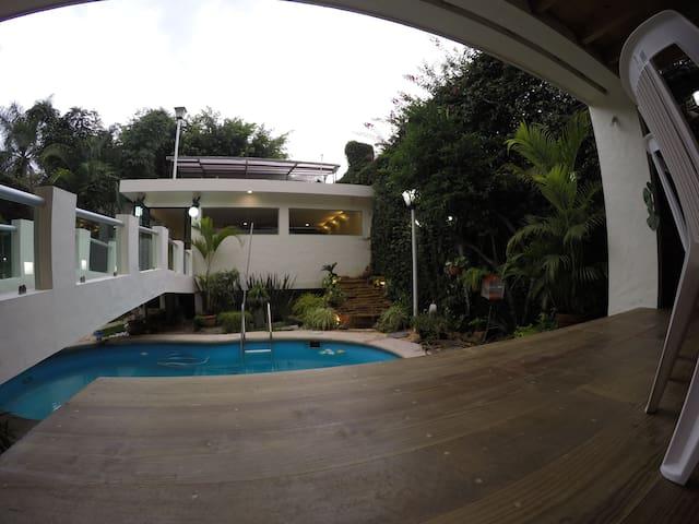 Exclusiva casa oriental - Jiutepec - Huis