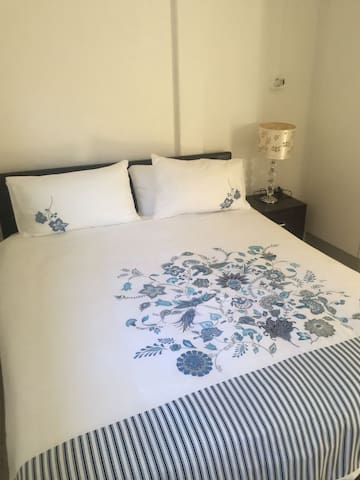 2 Roomed small cottage Self catering - Kaapstad - Huis