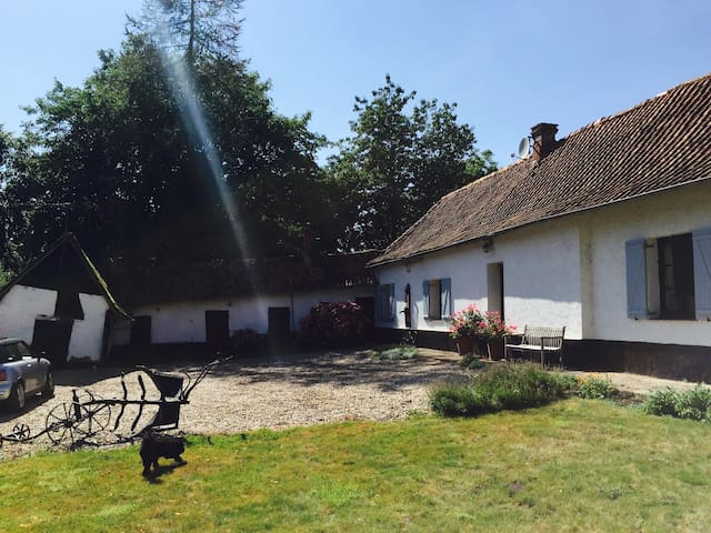 Tranquil farmhouse - Humbert - Hus