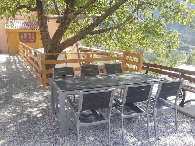 Appartement avec terrasse aménagée et barbecue - Rigaud - Leilighet